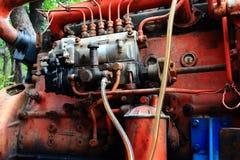 老生锈的六圆筒柴油引擎 库存照片