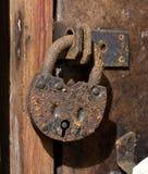 老生锈的挂锁 库存图片