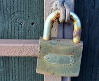 老生锈的挂锁 免版税图库摄影