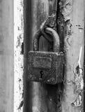老生锈的挂锁 图库摄影