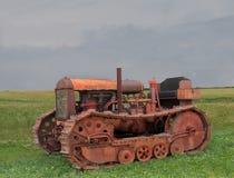 老生锈的推土机拖拉机 库存照片