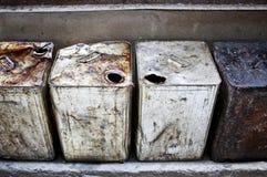 老生锈的桶行  库存照片