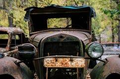 老生锈的汽车福特AA或Gaz AA 免版税库存照片