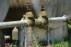 老生锈的管道 库存照片