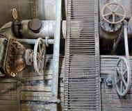 老生锈的被腐蚀的机械 免版税库存图片