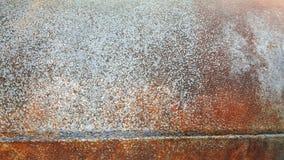 老生锈的金属管子 免版税库存照片