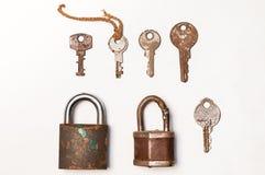 老生锈的锁和钥匙 库存照片
