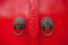 老生锈的门。 图库摄影