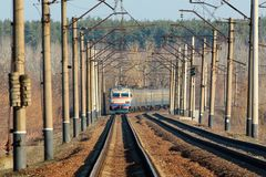 老电市郊火车,乌克兰 免版税库存图片