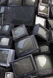 老电视垃圾,垃圾电视,电子破烂物可以是recyc 免版税库存图片