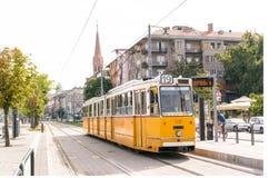 老电车在布达佩斯,匈牙利 免版税库存图片