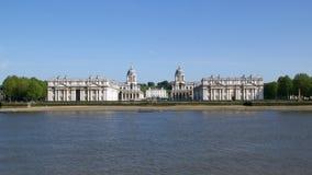 老皇家海军学院在泰晤士在格林威治,英国 免版税库存图片