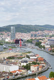 老看法和新的毕尔巴鄂市, Bizkaia, Vasque国家,西班牙 库存照片