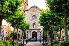 老石中世纪教会圣Nicolau,叫作海岸的大教堂在马尔格拉特德马尔,卡塔龙尼亚,巴塞罗那,西班牙 免版税库存图片