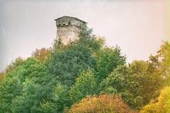 老石塔在Mestia英王乔治一世至三世时期镇  库存照片