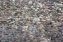 老石墙。 免版税图库摄影