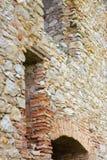 老石墙城堡废墟 库存照片