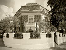 老砖房子在欧洲城市 乌贼属口气 库存照片