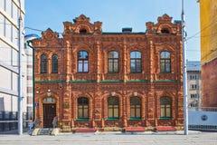 老砖房子年建筑1900年,街道没有的Michurina 免版税库存照片