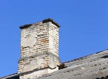 老砖烟囱 免版税库存照片