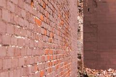 老砖瓦房整修 免版税库存图片