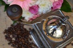 老磨咖啡器 免版税库存图片