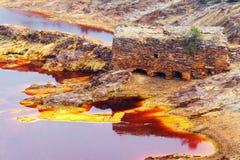老磨房在Tinto河,韦尔瓦省,西班牙 免版税库存图片