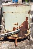 老空气压缩机 免版税图库摄影