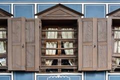 老窗口,一个房子的建筑细节在Koprivshtitsa, Bu 图库摄影
