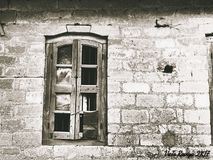 老窗口/打破的传说 免版税库存照片