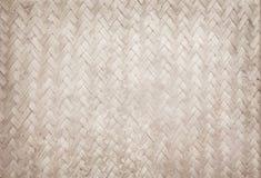 老竹编织的样式,被编织的藤条席子纹理 库存图片