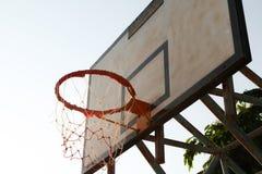 老篮球篮 免版税库存照片