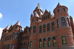 老红色博物馆,以前达拉斯县法院大楼,在得克萨斯 免版税库存照片