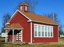 老红色学校之家 免版税库存图片