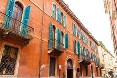老红色房子在维罗纳 意大利特写镜头07 05,2017 免版税库存图片