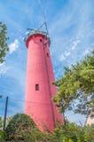 老红色灯塔在Krynica Morska在波兰 免版税库存照片