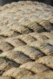 老绳索有被弄脏的背景 库存图片