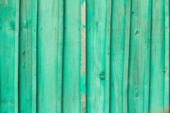 老绿色被绘的木墙壁 免版税图库摄影