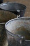 老罐子金属葡萄酒桶 库存图片