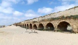 老罗马渡槽在以色列 图库摄影