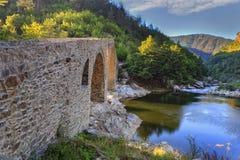 老罗马石桥梁 免版税图库摄影