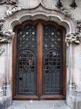 老美丽的门 库存图片