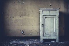 老肮脏的家具 库存图片