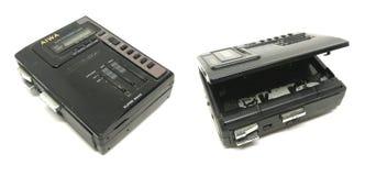 老肮脏的AIWA便携式的音频紧凑卡式磁带/收音机球员是 免版税库存图片