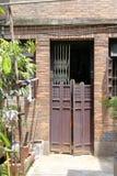 老胡同和古老房子 免版税库存图片