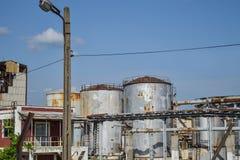 老能源厂看法有大具体熔炉的 下落的化工共产主义产业 库存照片
