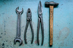 老脏的锤子工具 免版税库存图片