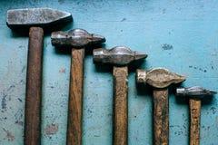 老脏的锤子 免版税库存图片