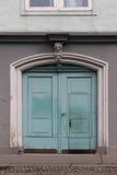 老腐朽的门 图库摄影