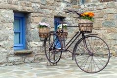 老自行车在希腊 图库摄影